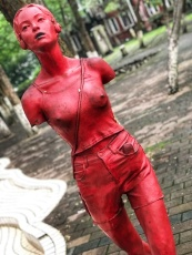 Sculpture at Zhongshan 4 lu (中山四路)chongqing art district.