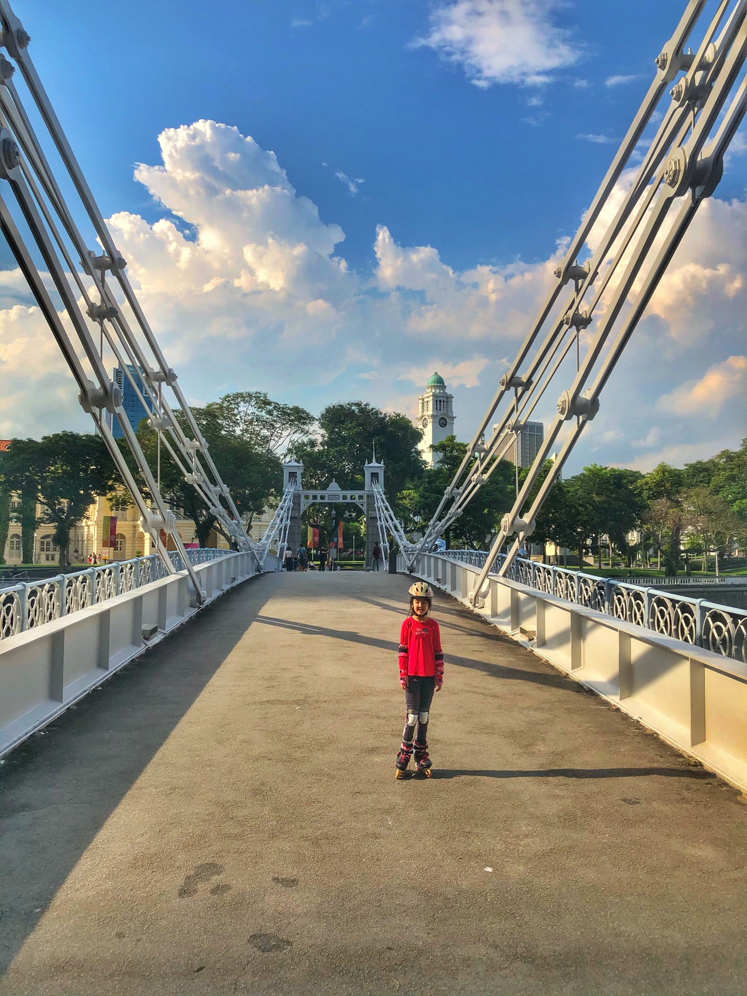 Cavenagh Bridge Singapore