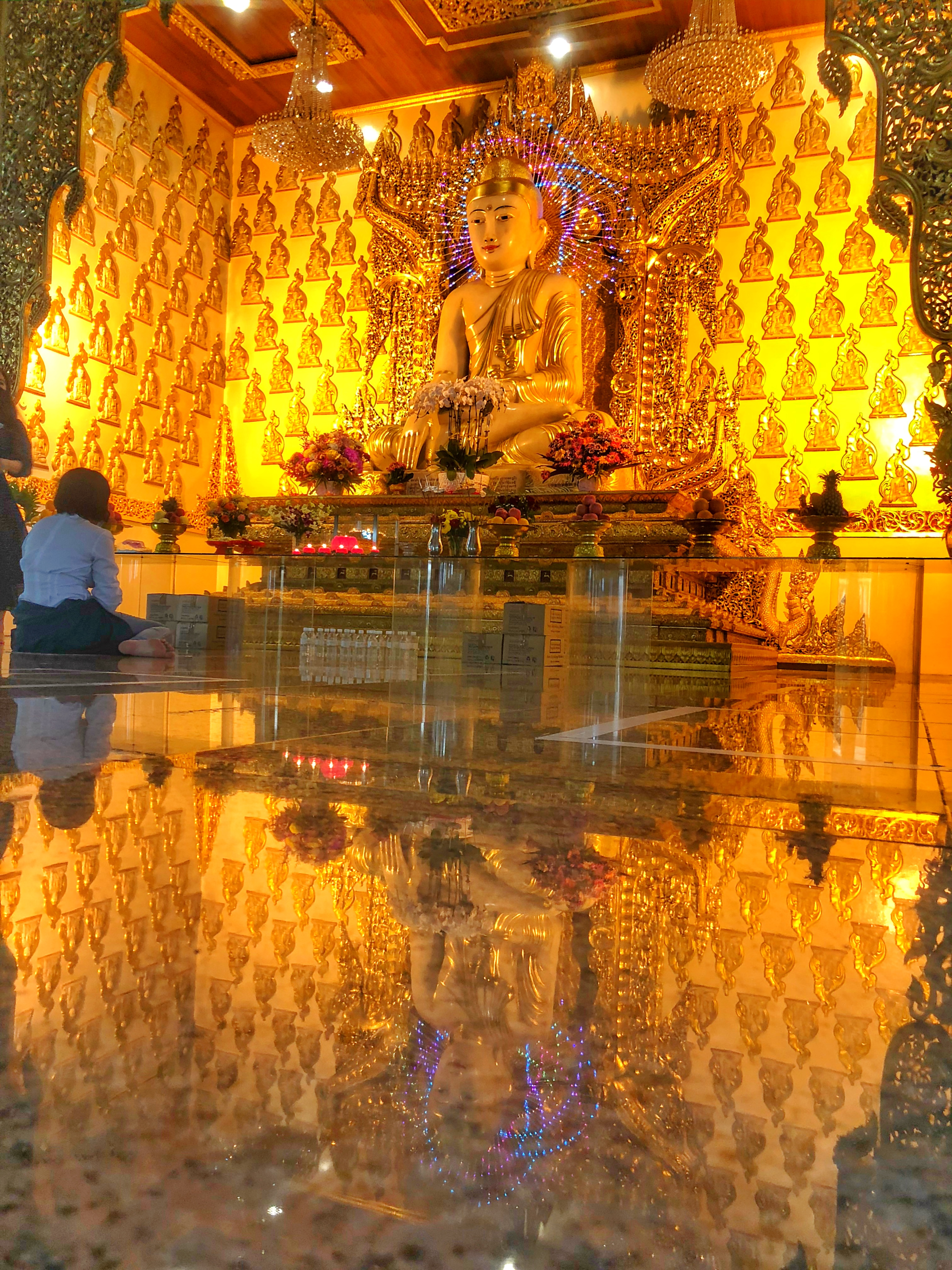 White Marble buddha in Maha Sasana Ramsi Burmese Buddhist Temple